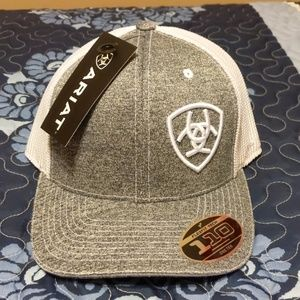 Ariat flexfit cap